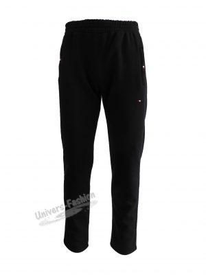 Pantaloni trening barbat, culoare neagra cu 2 buzunare laterale cu fermoare și un buzunar la spate cu fermoar, vatuit la interior