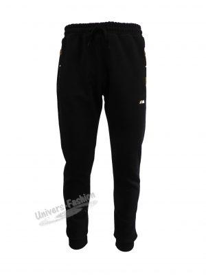 Pantaloni trening barbat, culoare neagra, vatuit la interior, cu 2 buzunare laterale și un buzunar la spate cu fermoare