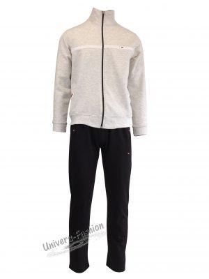 Trening barbat, jacheta gri deschis, cu 2 buzunare cu fermoare, pantaloni negru cu 3 buzunare cu fermoare
